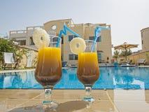 Villa di lusso con una piscina Fotografie Stock Libere da Diritti