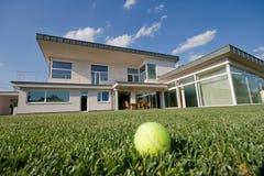 Villa di tennis Immagini Stock