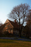 Villa en tuin royalty-vrije stock foto