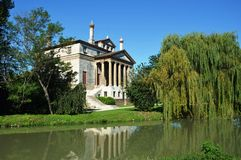 Villa Foscari, appelé La Malcontenta, conçu par l'architecte d'Andrea Palladio images stock