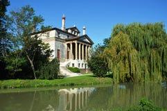 Villa Foscari, genoemd die La Malcontenta, door Andrea Palladio-architect wordt ontworpen stock afbeeldingen