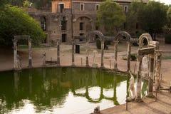 villa hadrian des ruines s photographie stock libre de droits