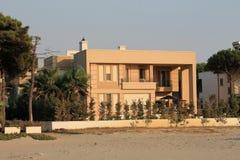 Villa i den Adriatiska havet kusten Arkivfoton