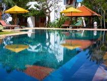 Villa met zwembad Royalty-vrije Stock Afbeeldingen
