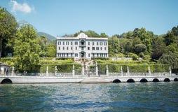 Villa nel lago Como Fotografie Stock Libere da Diritti