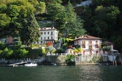 Villa på Como sjön, Italien Royaltyfri Foto