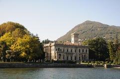 Villa på Como sjön, Italien Arkivfoto