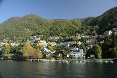 Villa på Como sjön, Italien Arkivfoton