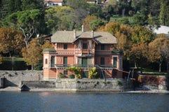 Villa på Como sjön, Italien Royaltyfri Fotografi