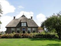 Villa in platteland Royalty-vrije Stock Foto's