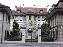 Villa privée de luxe au centre de la ville de Berne image libre de droits