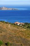 Villa sopra il mar Mediterraneo Fotografia Stock Libera da Diritti
