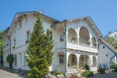 Villa storica nella vecchia città di Sassnitz sull'isola del ¼ g di RÃ immagini stock libere da diritti