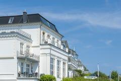 Villa storica nella vecchia città di Sassnitz sull'isola del ¼ g di RÃ fotografia stock