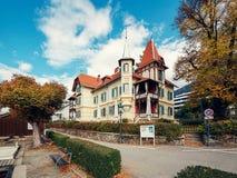 Villa Streintz nella caduta Millstatt vede, Carinzia, Austria Fotografia Stock Libera da Diritti