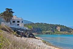 Villa sur la plage Photos libres de droits