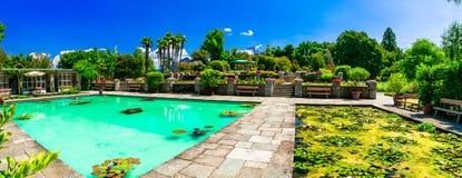 Villa Tarente avec des jardins et des fontaines Lago Maggiore photographie stock libre de droits