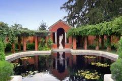 Villa und Gärten Stockfotos
