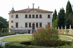 VILLA VALMARANA in vicenza with well-kept flower garden Stock Photography