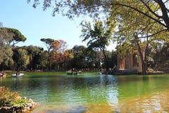 VillaBorghese sjö i Rome Arkivfoto