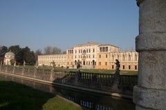 VillaContarini panoramautsikt av en forntida villa av Andrea Pal Arkivbild