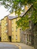 Village,爱丁堡市和旅游胜地的中世纪村庄教务长 爱丁堡,苏格兰,英国 免版税库存图片