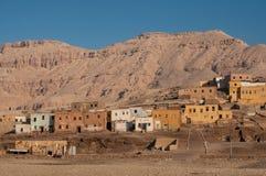Village abandonné dans le désert de roche Photographie stock