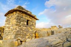 Village abandonné dans les montagnes photographie stock libre de droits
