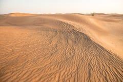 Village abandonné de fantôme dans le désert Arabe photos stock
