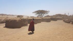 Village africain en Tanzanie image libre de droits