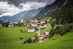 Village alpin au Tyrol, Autriche Image libre de droits