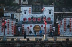 Village antique chinois de l'eau avec le festival, la maison, la culture et la vie de tradition, photographie stock libre de droits