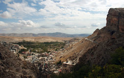 Village antique dans Maalula, Syrie. photographie stock libre de droits