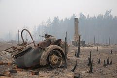 Village après incendie Images libres de droits