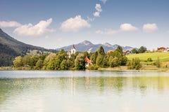 Village au lac Weissensee Photographie stock