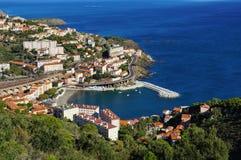 Village côtier des Frances méditerranéennes de Cerbere Image stock