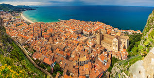 Village Cefalu d'en haut Photo stock