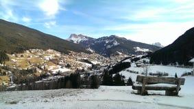 Village d'Ortisei en Italie images stock