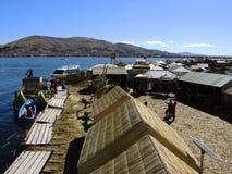 Village d'Uros dans Puno, Pérou photographie stock