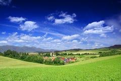 Village dans la vallée Photos stock