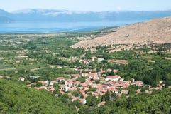 Village dans le district de Prespa de la République de la Macédoine photo libre de droits