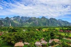 Village dans les montagnes Photos libres de droits