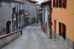 Village de Bossolasco, Langhe, Piemonte du sud, Italie Images stock
