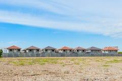 Village de chantier de construction de logements et de construction en cours, waitin Photos stock