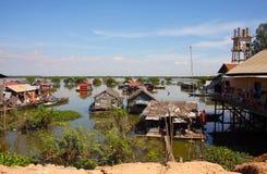 Village de flottement dans Camnodia Photo stock