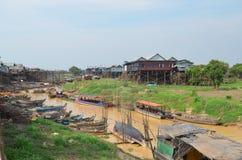 Village de flottement. Kompong Phluk sur Tonle SA de lac Image libre de droits
