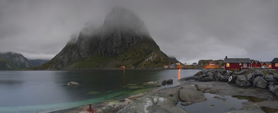 Village de Hamnøy des îles de Lofoten photo stock