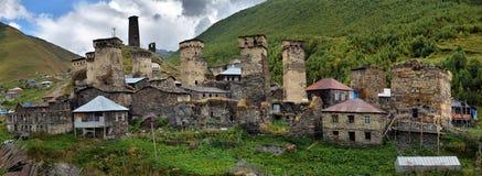 Village de haute montagne d'Ushguli Photo stock