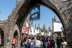 Village de Hogsmeade en Harry Potter Attraction Zone dans le studio universel Japon image libre de droits