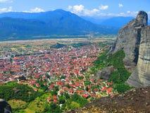 Village de Kalampaka près de Meteora Photos stock